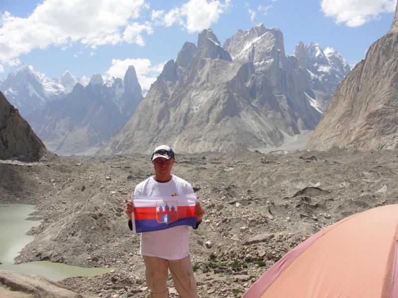 DzieËť 11.Camping w Urdukas
